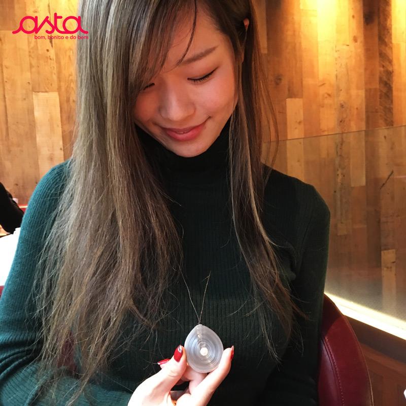 アスタの小さいネックレス